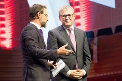 Moderator Nik Hartmann (links) im Gespräch mit SVC Präsident Urban Camenzind. (Bild: Eveline Beerkircher)
