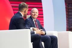 Jürg Balsiger, Geschäftsführer der Stanserhorn-Bahn AG (rechts) mit SVC Regionenleiter Zentralschweiz Christoph Baggenstos. (Bild: Eveline Beerkircher)
