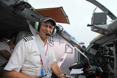 Ruedi Wiedler im Cockpit seines PC-6.