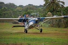 Landung im Urwald von Peru.