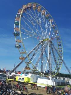 Riesenrad beim Seetalplatz in Emmen. (Bild: Heinrich Inderbitzin)
