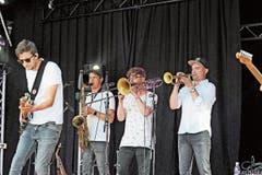 «Starch» aus Kirchberg spielten in Ebnat-Kappel ihre neuen Songs. (Bild: Michael Hug)