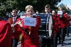 Marschmusik im Dorf mit der Feldmusik Unterägeri. Bild: Werner Schelbert (Zuger Zeitung)
