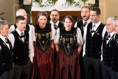 Der Chor wurde 1078 gegründet und wird seit 2010 von Dirigentin Vreni Renggli geleitet. (Bild: Eveline Beerkircher)