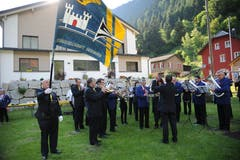 Die Musikgesellschaften Göschenen und Silenen sorgten für Unterhaltung an der Landratspräsidentenfeier von Peter Tresch. (Bild: Urs Hanhart (Göschenen, 20. Juni 2018))