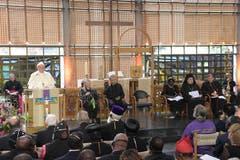Im Weltkirchenrat (Bild: EPA/CIRO FUSCO)