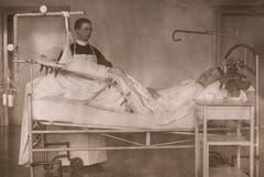 Pflegesituation um 1940.