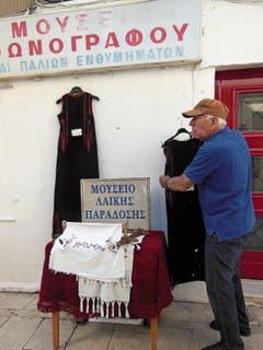 Dimitros Kotopodis betreut in Lefkada (Lefkas) ein Museum.
