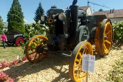 Oldtimer-Traktoren am Jodlerfest. (Bild: Josef Müller (Schötz, 23. Juni 2018))