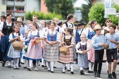 Festumzug am Jodlerfest Schötz. Chinderchörli Geuensee, Chinderchörli. (Bild: Manuela Jans-Koch. Schötz 24.Juni 2018)