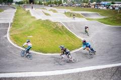 An der Einweihung des BMX-Parks in Weinfelden wurde reichlich Renn-Action geboten. (Bild: Reto Martin)