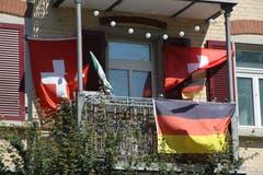 Schweizerisch-deutsche WG an der Zürcher Strasse in Schönenwegen? Oder gar ein Wunsch für die Paarung fürs allfällige Achtelfinal-Spiel der Schweizer?