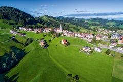 Schwellbrunn von oben. (Bild: Appenzeller Verlag)