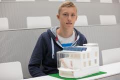 Sieger in der Kategorie individuelle Projekte (Vormittag): Maurin Bühler aus Root präsentiert sein 22-Grad-Passiv-Haus. (PD)