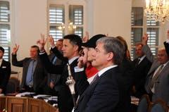 Vereidigung der beiden neuen Regierungsräte Daniel Wyler, SVP (vorne), und Christian Schäli, CSP.