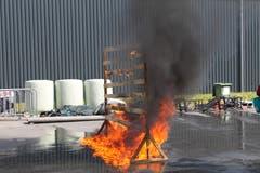 Bei diesem Stunt wird mit dem Feuer gespielt. (Bild: Markus Zwyssig, 3. Juni 2018)