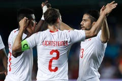 Switzerland's Ricardo Rodriguez, right, celebrates with his teammates scoring his side's opening goal during the friendly soccer match between Spain and Switzerland at the Ceramica stadium in Villarreal, Spain, Sunday, June 3, 2018. (Bild: Keystone/AP Photo/Alberto Saiz)