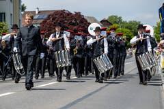 Die Musikgesellschaft Harmonie Hochdorf auf der Paradestrecke. (Bild: Philipp Schmidli (Eschenbach, 3. Juni 2018))