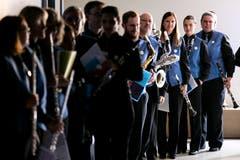 Die Musikanten der Feldmusik Malters warten auf ihren Auftritt. (Bild: Philipp Schmidli (Eschenbach, 3. Juni 2018))