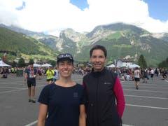 Karin Widmer aus Stans (links) und Sandra Müller aus Engelberg liefen auf die Ränge 4 und 2 über die Ultra-Distanz. (Bild: Carina Odermatt, Engelberg, 2. Juni 2018)