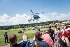 Der einzige Polizeihelikopter der Schweiz im Einsatz Bild: Roger Grütter