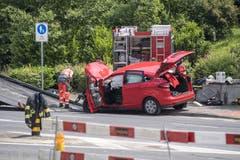 Der demolierte Personenwagen (Bild: Pius Amrein / Luzern, 4.6.2018)