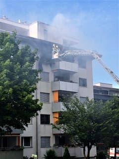 Der Feuerwehr gelang es schnell, den Brand unter Kontrolle zu bringen. (Bild: Leserbild Werner Lanski)