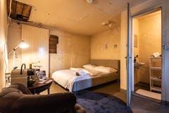 Baden: Das Hotelzimmer befindet sich in einer ehemaligen Gefängniszelle im Stadtturm. (Bilder: Schweiz Tourismus)