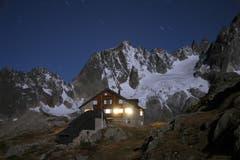 Gut beherbergt: Die Sustlihütte auf 2257 Meter über Meer. (Bild: Matthias Gehri).