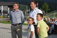 Geschäftsführer Markus Koster (rechts) mit seinen Söhnen.
