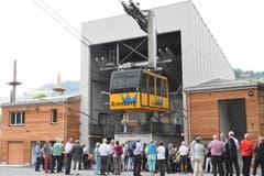 Beidseits der Talstation der Kronbergbahn wurden Baukörper hinzugefügt.