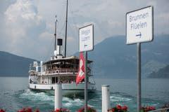 Auf Wiedersehen: Die «Stadt Luzern» bei der Schiffsstation Beckenried. Im Oktober läuft sie vorläufig zum letzten Mal aus.