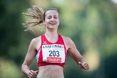 Julia Niederberger (18) vom LA Nidwalden ist über 100 Meter beim nationalen Programm die schnellste Läuferin. Die Zeit: 12.09 Sekunden. (Bild: Urs Flüeler / Keystone (Luzern, 9. Juli 2018))