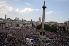 Zehntausende Menschen sind am Freitag gegen den Besuch von US-Präsident Donald Trump in Grossbritannien auf die Strasse gegangen. (Bild: AP Photo/Luca Bruno)