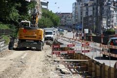 Grabarbeiten an der Rosenbergstrasse. (Bild: Reto Voneschen)