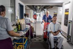 In den Kanälen gibt es strikte Regeln: Patiententransporte haben Vortritt. (Bild: Michel Canonica)