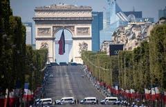 Die abgesperrte Champs Elysees am Samstagmorgen. Die Behörden erwarten hier am Samstag und zum WM-Final vom Sonntag rund 1 Million Menschen