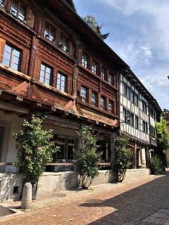 """""""Wer das Alte zerstört, ist des Neuen nicht wert"""" ! Fotografiert in der wunderschönen Rosenstadt Rapperswil. (Bild: Margrith Imhof-Röthlin)"""