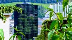 Stadtspiegel an der Fassade des Rathauses St. Gallen. (Bild: Doris Sieber)