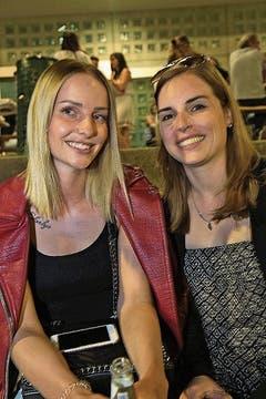 Anja Schwarz aus St. Gallen und Jennifer Stefanelli aus Wetzikon.