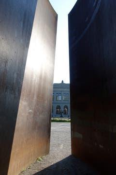 "Richard Serras ""Trunk"" (1987) im St. Galler Stadtpark. (Bild: Ursula Gebendinger)"