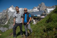 Bauleiter Ralph Nötzli (links) und Andreas Müller, Präsident der SAC-Sektion Pilatus, sind Verantwortlich für die Sanierung. (Bild: Dominik Wunderli, Bristen, 18. Juli 2018)