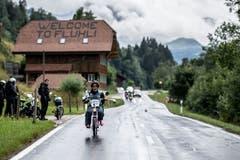 Ein Päuschen darf sein, der Regen hinderte die Teilnehmer nicht an der Weiterfahrt.