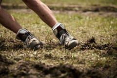 Gutes Schuhwerk hilft den Seilziehern, standhaft zu bleiben.