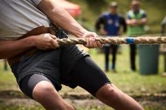 Muskelkraft, aber auch Taktik und Durchhaltewillen sind beim Seilziehen besonders gefragt.