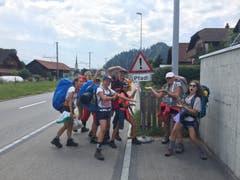 Die Pfadi Zytturm Adligenswil hat ach der zweitägigen Wanderung das Ziel erreicht: das Pfadi Kantonslager in Escholzmatt. (Lagerbild: Samuel Marti, 25. Juli 2018)