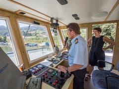Trockenheit: SBS-CEO Andrea Ruf und Kapitän Richard Gafner prüfen die Linie zwischen Rorschach und Rheineck.