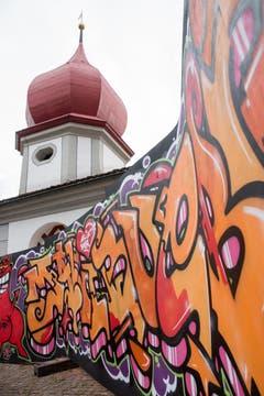 Ein Kunstwerk: Die Graffitiwand. (Bild:André A.Niederberger (Sarnen, 28.Juli 2018))