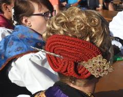 Eine Ehrendame mit schönem Haarschmuck.(Bild: Robert Hess, 29. Juli 2018)