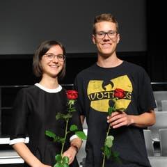 Patrizia Schilter und Andreas Zimmermann erhielten Preise für die jeweils beste Berufsmatura.